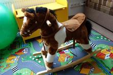 Houpací kůň (řehtající),