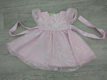 Růžové šaty, 80