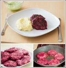 Karbanátky s červenou řepou, bramborová kaše, okurkový salát