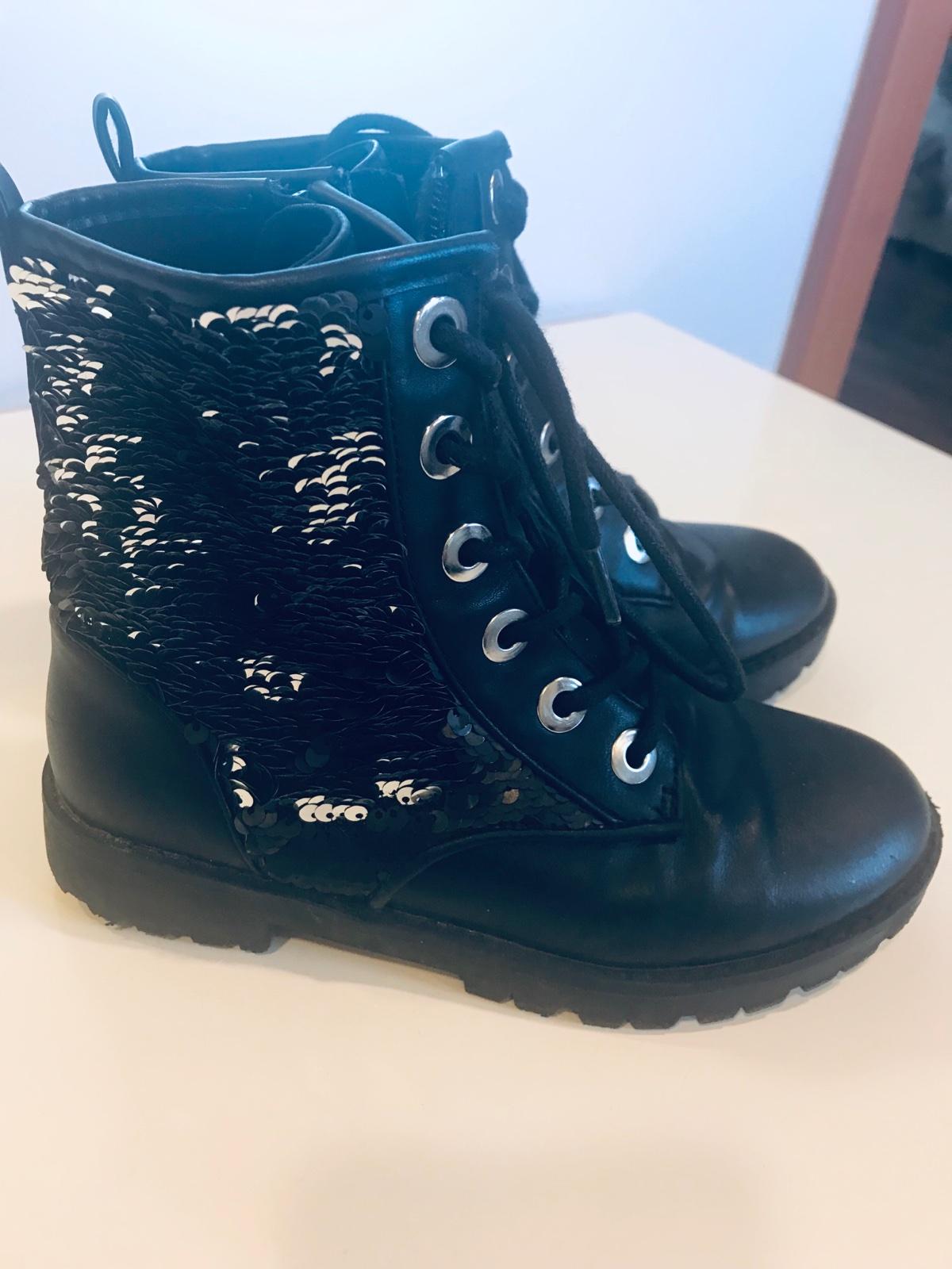 d0c4d9c8f8 Kotníčkové kožené boty zara