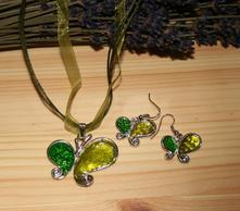 Zelený set náhrdelník náušnice,