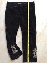 Černé sametové 3/4 kalhoty výšivka vel.xs, 34-36, xs
