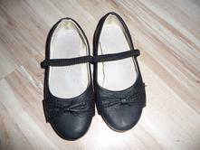 Černé baleríny, 28