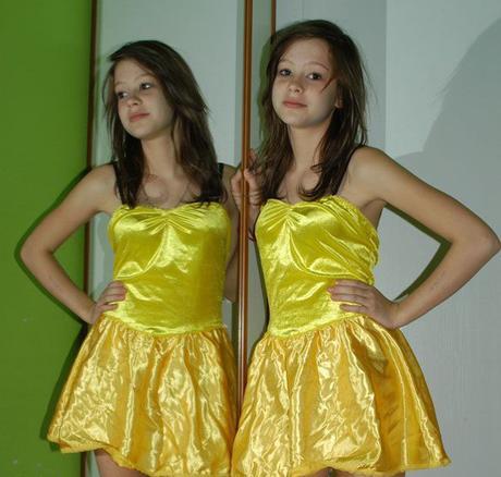 Jasně žluté šaty se saténovou sukýnkou, m