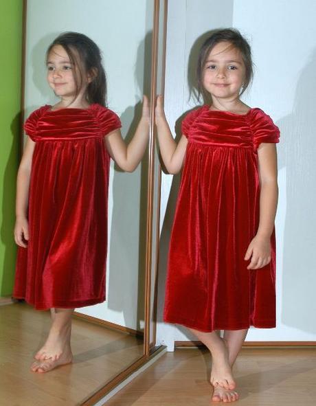 Společenské slavnostní i vánoční sametové šaty, marks & spencer,92