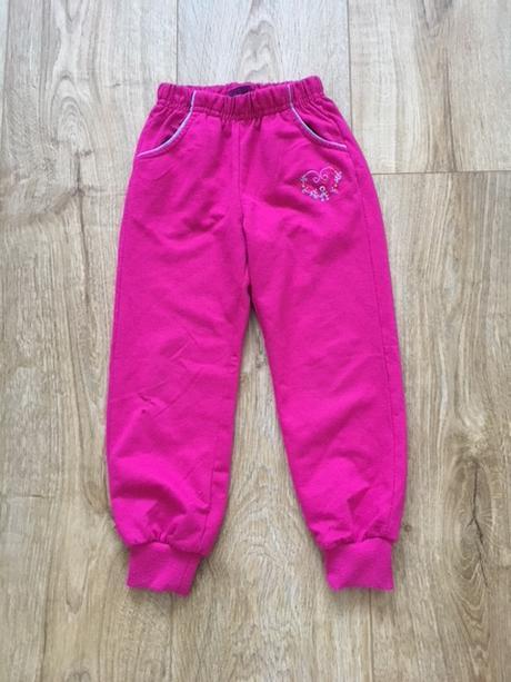 Oblečení holka tepláky 104 e579521a08