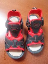 Červeno-černé sandálky, 28