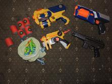 Nerf pistole - vše za 500 kč,