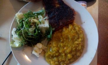 Pstruh lososovitý, dýňovo-brokolicové pyré, zel.salátek :-)