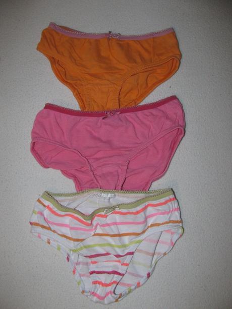 Spodní prádlo-kalhotky,,3ks, lupilu,104