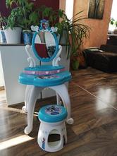 Dětský kosmetický stoleček,