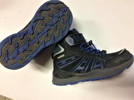 abee7187655 Dětské trekové softshell boty umbro č.030