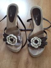 Pěkné letní boty na platformě , baťa,37