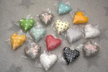 Látkové srdíčko - mix barev a vzorů,