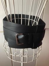 Dámský kožený pásek,