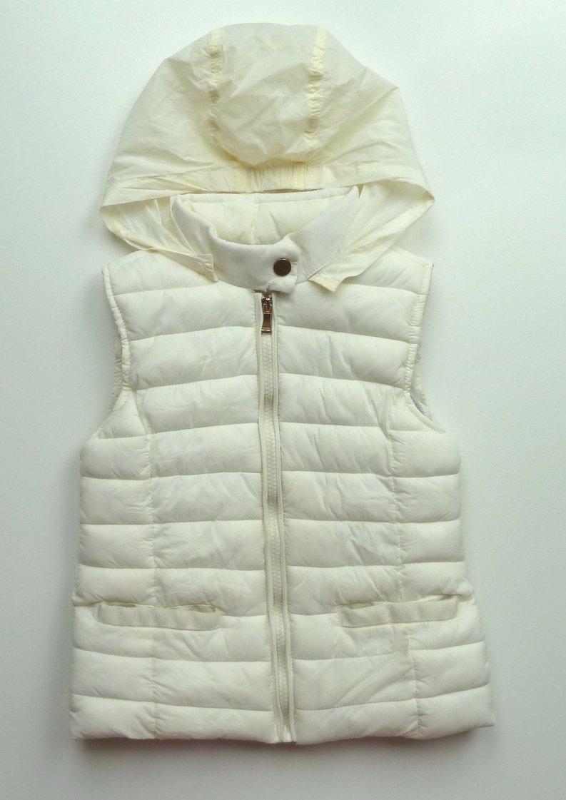 Prošívaná vesta se skrytou kapucí vel. 116 486003da4f