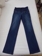 Těhotenské džíny, l