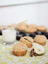 Hruškové muffiny se skořicovou drobenkou