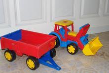 Wader gigant traktor s vlekem 66100,