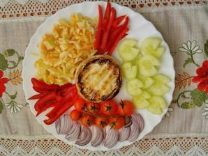 Camembert a zelenina