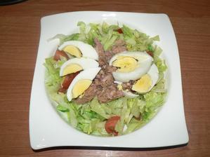 VEČEŘE: salát s tuňákem a vejcem