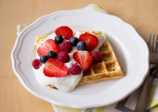 Luxusní snídaně - Vafle s tvarohem a ovocem