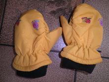 Šusťákové rukavice, 104