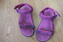 Sandály, 32