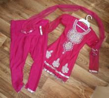 Trojdílné slavnostní šaty pro holčičku 4 roky, 110