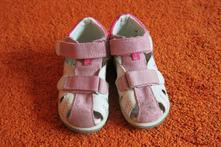 Kožené sandálky, 25