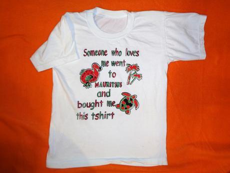 Krásné bílé tričko se zvířátkama, 122