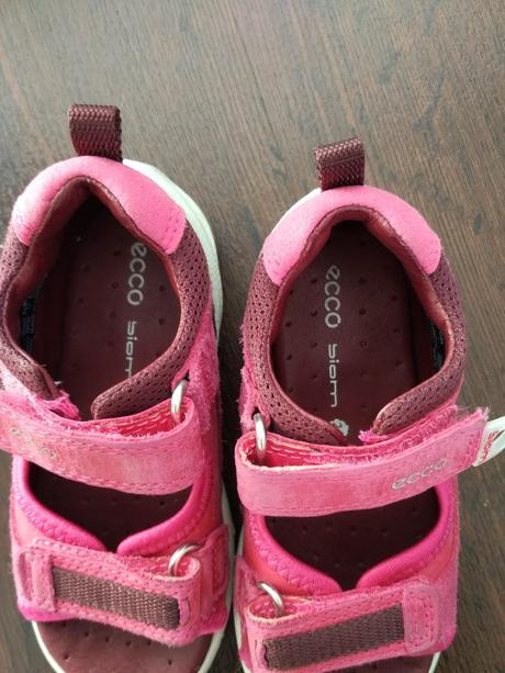 Růžové kožené sandálky ecco biom 24 top stav 8075080a893