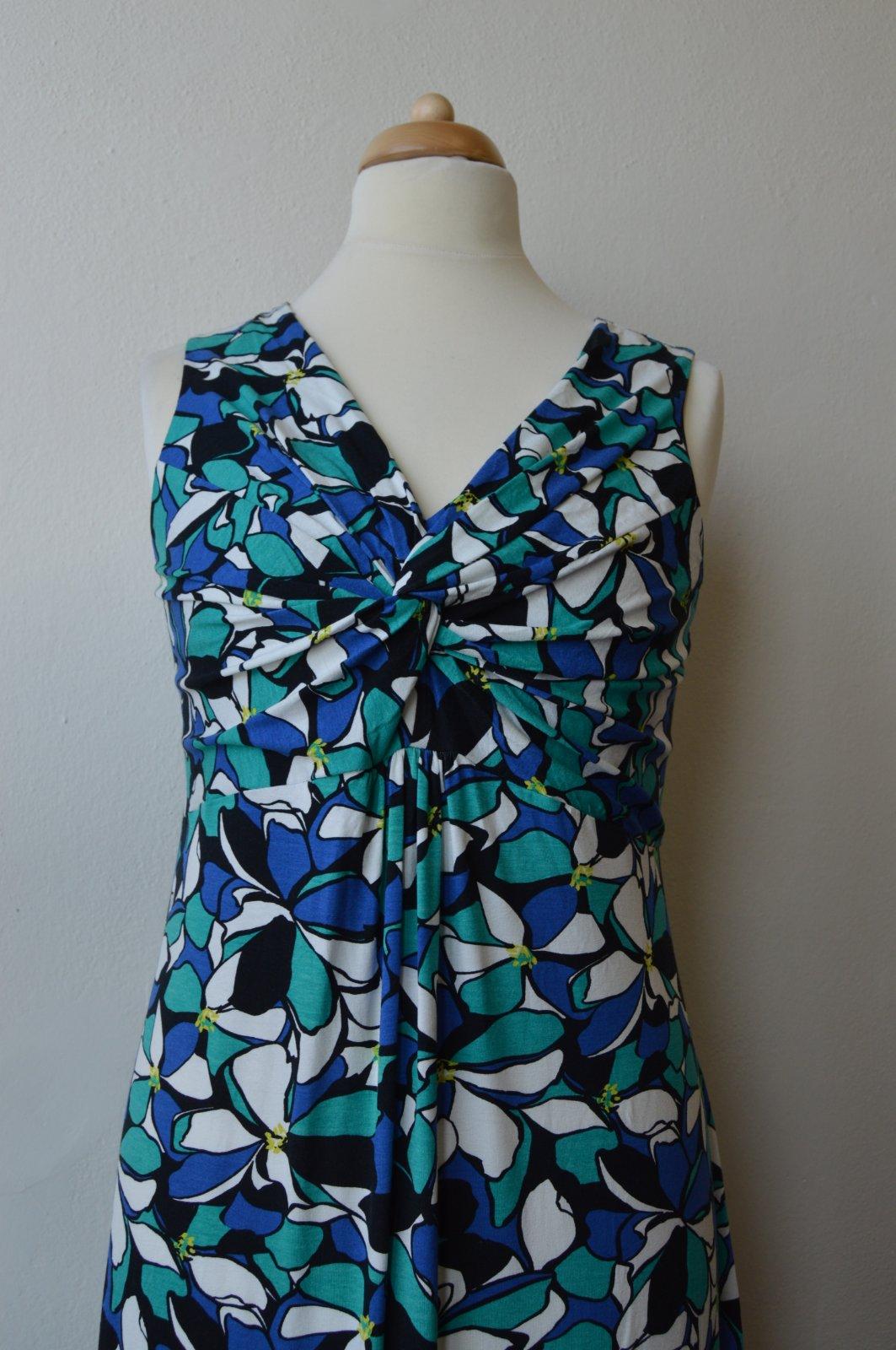 405 inzerátů • 182 hodnocení. Dámské vzorované letní šaty david emanuel 69bbfe33e7