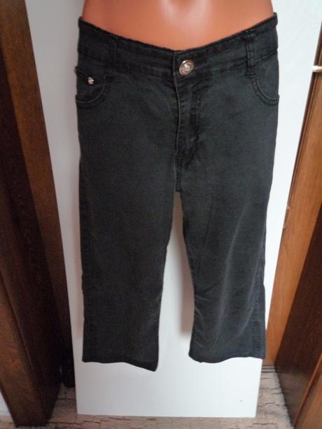 Černé 3/4 kalhoty, 42