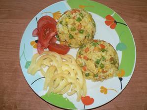 OBĚD: rizeto s kuřecími kousky, zelenina