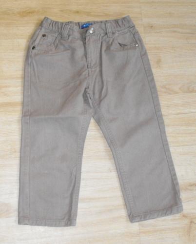M130. hnědé kalhoty, 98