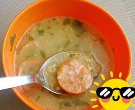 Krúpova polievka so zelerom ,kalerábom a párkom