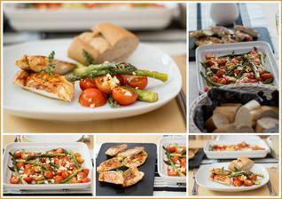 Pečený balzamikový chřest s rajčátky a fetou, kuřecí steak, bageta