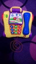 Mluvící telefon od fisher price,