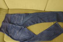 Těhotenské džíny, 40