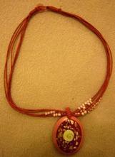 Růžový náhrdelník,