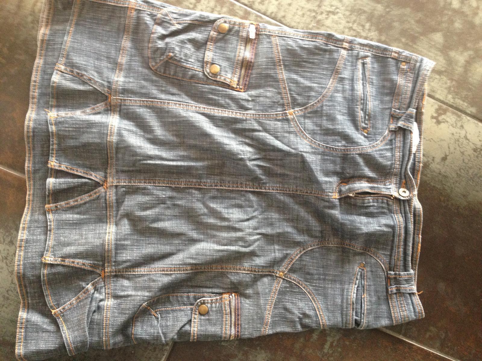 278a852b78f6 Černošedá sukně z elastické lehčí rifloviny
