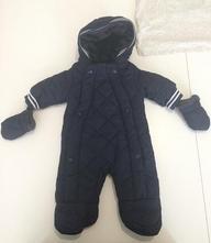 Zimní kombinéza s kapucí a rukavicemi, 62