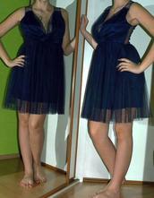 Slavnostní společenské tmavě modré tylové šaty, 40