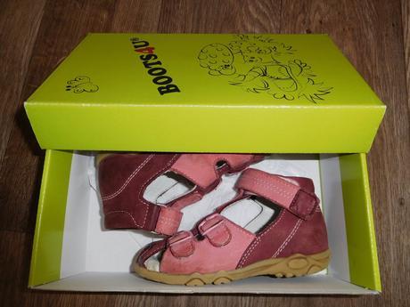 Sandálky boots4u vel. 25, 25