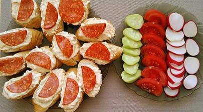 Vločkova pomazánka s mrkvou,tvarohom, horčicou a soľou,zeleninka