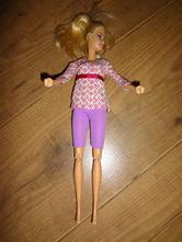 Krásná panenka barbie,