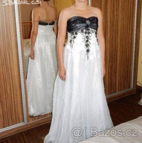 Plesové, společenské a možno i svatební šaty, s