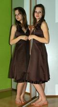 Společenské plesové hnědé šaty, 36