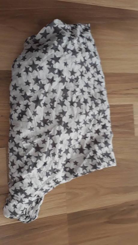Hvězdičkový šátek na krk, l